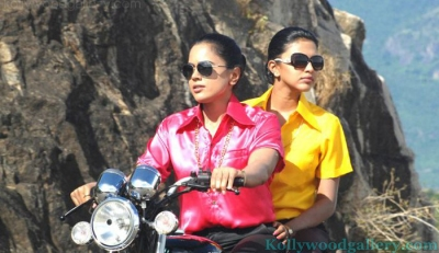 amala-paul-sameera-reddy-in-vettai-4